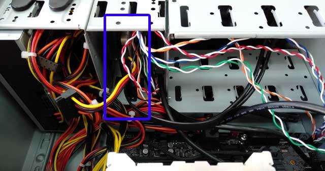 SSD収納